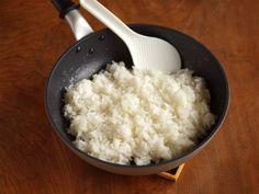 ご飯が10分で炊ける!フライパン炊飯の方法と活用アイデア | iemo[イエモ]