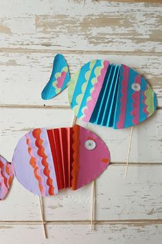 Made in just a few minutes - Paper Crafts - taktak decor Spring Crafts For Kids, Diy For Kids, Snail Craft, Kids Toilet, Alphabet Crafts, Arts And Crafts, Diy Crafts, Diy Buttons, Yarn Tail