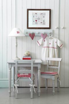 red and gray homework station