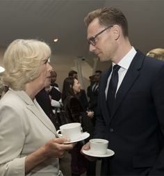 The Duchess of Cornwall and Tom Hiddleston at a reception following the live broadcast of the final of BBC Radio 2's 500 Words creative writing competition at Shakespeare's Globe in London on May 27, 2016. Full size image: http://ww3.sinaimg.cn/large/6e14d388gw1f4ah1pc583j23xc2rl1kz.jpg Source: Torrilla, Weibo