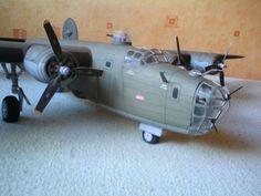 226 Consolidated B-24 Liberator American heavy bomber Paper Model PDF File