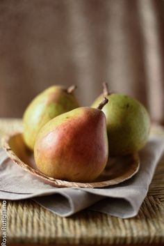 Pears by Rosa Rutigliano on 500px