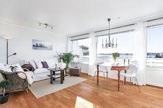 SUNDE - Lettstelt leilighet i 2. etasje med en fantastisk utsikt