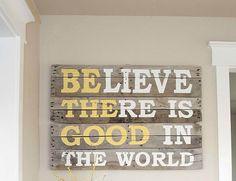 DIY Pallet Sign Quote   13 Boys Room Decor Ideas You Can DIY