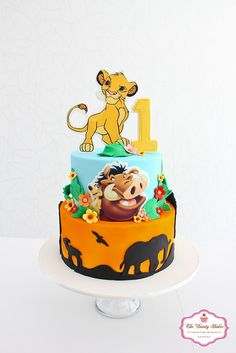 Gorgeous Lion King Cake Featuring Simba & Nala made by Ana Brum Biscuit Designer Lion Birthday Party, Jungle Theme Birthday, Lion King Birthday, First Birthday Party Themes, Baby Boy 1st Birthday, Birthday Cake, Birthday Ideas, Lion King Theme, Lion King Party