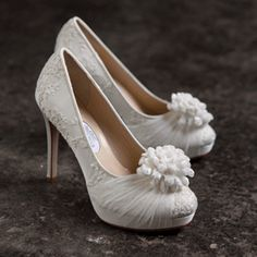 Brautschuhe mit Spitze