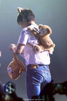 nini bear with his bears,now we need d.o with his family of penguins Baekhyun, Exo Kai, Park Chanyeol, Exo Ot12, Kaisoo, K Pop, Knock Knock, Chen, Korea