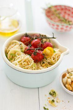 Roasted tomato and garlic crouton spaghetti - GF croutons, quinoa pasta or spaghetti squash pasta.