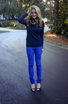 Best Athleisure Outfits Part 31 Cobalt Pants Outfit, Cobalt Blue Pants, Royal Blue Outfits, Blue Jean Outfits, Casual Outfits, Cute Outfits, Fashion Outfits, 30 Outfits, Work Outfits