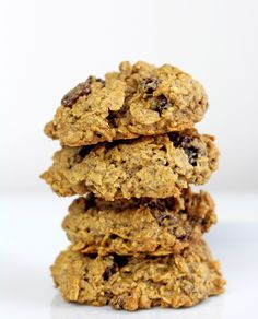 Healthier Gluten-Free, Dairy-Free Oatmeal Raisin Cookies - Bake For Your Life Healthy Snacks For Kids, Healthy Sweets, Healthy Foods To Eat, Healthy Recipes, Healthy Baking, Dairy Free Oatmeal Raisin Cookies, Gluten Free Oatmeal, Healthy Pancakes Oatmeal, Keto Oatmeal