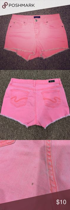 Bright pink Jean shorts Great for summer! Bright pink high wasted shorts from Nordstrom, super comfortable and stretchy great condition except one tiny spot on the back bottom pictured in the last photo. STS Blue Shorts Jean Shorts