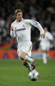 David Beckham of Madrid in action during the UEFA Champions League Round of 16, First Leg match between Real Madrid and Arsenal at the Santiago Bernabeu Stadium on February 21, 2006 in Madrid, Spain. (Feb. 20, 2006 - Source: Richard Heathcote/Getty Images Europe)