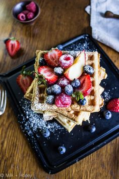 Waffles despite their age have managed to stay as relevant and active as any of our contemporary breakfast foods. Pop tarts, Cronuts, they're a flash in Waffle Day, Breakfast Recipes, Dessert Recipes, Breakfast Smoothies, Delicious Desserts, Yummy Food, Waffle Recipes, Cafe Food, Food Cravings