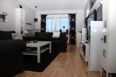 Black And White Tech Living Room