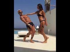 La folle (e sexy) danza del bomber Gianluca Vacchi - YouTube