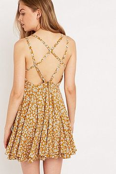 Kimchi Blue Scarlett Dress in Yellow - Urban Outfitters