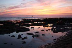 Sentados en la orilla de la playa de La Barrosa podremos ver el Castillo de Sancti Petri, situado en una isla frente a la costa de Chiclana.