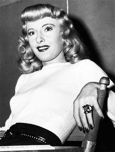 barbarastanwyck:  Barbara Stanwyck on the set of Double Indemnity, 1944
