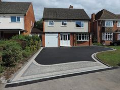 Birmingham based Oakleaf Driveways Limited have over 50 years experience and are. Birmingham based Oakleaf Driveways Limited have over 50 years experience and are specialist installers of black tarmac drives and driveways. Resin Driveway, Asphalt Driveway, Driveway Paving, Concrete Driveways, Driveway Landscaping, Concrete Patio, Landscaping Ideas, Blacktop Driveway, Modern Driveway