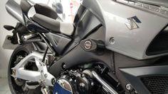 SUZUKI-GSX1300-B-KING-2007-on-039-MGS-Performance-crash-frame-protectors-bobbin