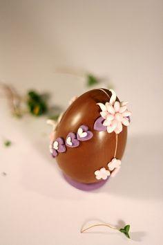 Uovo di cioccolata c