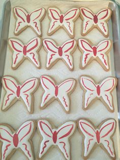 Hand-painted butterfly cookies using Rainbow Dust edible Metallic Food Paint on royal icing by Carmen. Batman Cookies, Butterfly Cookies, Royal Icing, Metallic, Rainbow, Treats, Hand Painted, Cakes, Desserts