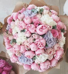 This bouquet surely builds a feminine, sweet and whimsical nuanc… Flowers galore! This bouquet surely builds a feminine, sweet and whimsical nuance. 😊 💗 TAG your best friend below … ⠀ Photo via Source Purple Wedding Flowers, My Flower, Fresh Flowers, Wedding Bouquets, Beautiful Flowers, White Flowers, Big Bouquet Of Flowers, Pastel Flowers, Tulips Flowers