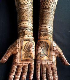 Jaya Mehndi Artist :: Khush Mag - Asian wedding magazine for every bride and groom planning their Big Day Mehndi Designs Bridal Hands, Mehndi Designs Feet, Mehndi Design Photos, Wedding Mehndi Designs, Beautiful Mehndi Design, Latest Mehndi Designs, Mehandi Designs, Rajasthani Mehndi Designs, Dulhan Mehndi Designs