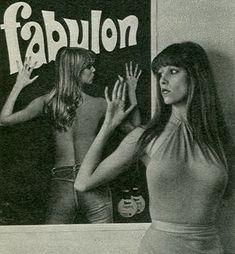 Budun Archívum: Sütő Enikő (19), Ez a divat, 1978 Hungarian... Vintage Advertisements, Vintage Ads, Vintage Posters, Retro Posters, Girl Posters, Deb Shops, Retro Men, Cute Swimsuits, Advertising Poster