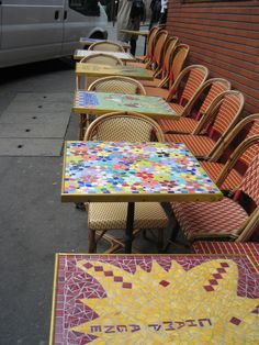 Beautiful mosaic tables at a cafe in Paris. Mosaic Art, Mosaic Tiles, Mosaic Furniture, Paris Cafe, Collaborative Art, Create Image, Wishbone Chair, Colored Glass, Stained Glass