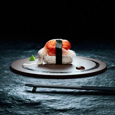 Digital Art of Human Sushi Yoga by Cristian Girotto and Olivier Masson Arte Do Sushi, L'art Du Sushi, Raw Sushi, Sushi Lunch, Sushi Art, Sushi Platter, Sushi Bowl, New Media Art, Whats For Lunch
