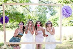 Rustic Photo Booth= YES!