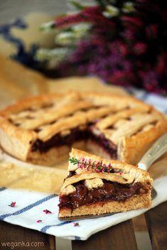 Pełnoziarnista tarta z wiśniami i czekoladą