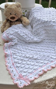 Gorgeous crochet border - open shell with picot?