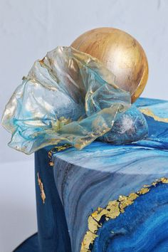 Blue marble fondant celebration cake with gold leaf detail, gold chocolate sphere and abstract decoration. Creative Wedding Cakes, Beautiful Wedding Cakes, Wedding Cake Designs, Beautiful Cakes, Most Beautiful, Luxury Cake, Marble Cake, Cake Flavors, Sugar Flowers