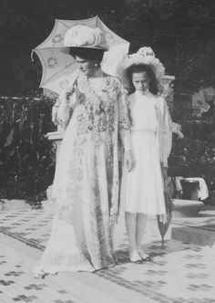 Empress Alexandra and Grand Duchess Tatiana
