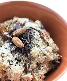 Quinoa purree mit nuessen und dunkler Schokolade