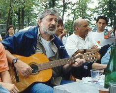 Francesco Guccini ha casa a Pàvana For You Song, Genere, Music Artists, Rock N Roll, My Music, Lamps, Youtube, Gold, Poet
