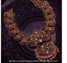 Antique Gold jewelry Punjabi - Gold jewelry Necklace With Weight - Antique Gold jewelry Temple - Gold jewelry Videos Shop - Gold jewelry Wedding Unique - Antique Gold jewelry With Price Gold Temple Jewellery, Gold Jewelry, Bridal Jewelry, Diamond Jewellery, Jewelry Art, Jewelry Rings, Jewelry Design, Antique Jewellery Designs, Antique Jewelry