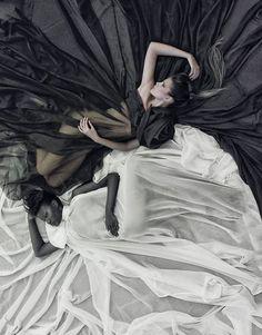 Black And White photographed by Roberto Portella- ONE EYELAND