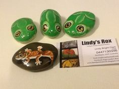 Painted Stones Green Tree frogs and Knob Tail Lizard