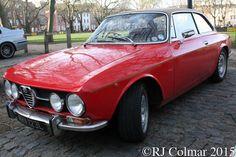 1971 ALFA Romeo 1750 GT Veloce, Avenue Drivers Club, Queen Square, Bristol.