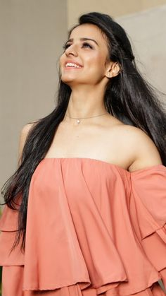 Mahima makwana C Teen Celebrities, Bollywood Celebrities, Beauty Full Girl, Beauty Women, Dress Design Sketches, Stylish Girl Pic, Stylish Dp, Lehnga Dress, Indian Jewellery Design