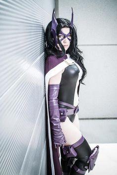 Character: Huntress (Helena Bertinelli) / From: DC Comics 'Birds of Prey' / Cosplayer: WindoftheStars Cosplay
