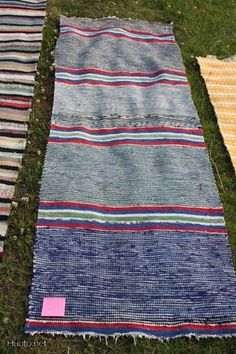 Picnic Blanket, Outdoor Blanket, Rag Rugs, Recycled Fabric, Woven Rug, Diy And Crafts, Weaving, How To Make, Knit Rug