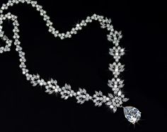 Pear Shaped Flower Bridal Necklace