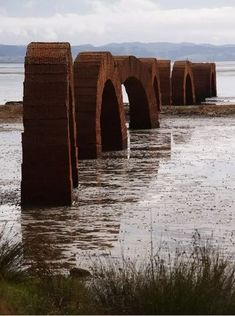 Andy Goldsworthy: Arches