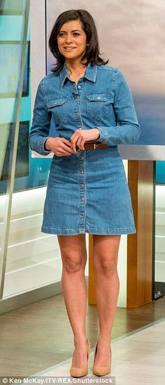 Image result for lucy verasamy ITV Itv Weather Girl, Weather Girl Lucy, Jean Dress Outfits, Chic Outfits, Gal Gabot, Juicy Lucy, Sexy Long Dress, Tv Girls, Lovely Legs