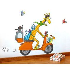 Ce sticker C'est parti de la marque Série-Golo apporte un décor ludique et coloré à la chambre d'un enfant.