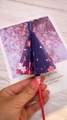 handicraft umbrellas tutorial paper video Paper Umbrellas Handicraft Paper umbrellas handicraft video tutorialYou can find X men and more on our website Kids Crafts, Diy Crafts Hacks, Diy Crafts For Gifts, Diy Arts And Crafts, Creative Crafts, Kids Diy, Diys, Diy Projects, Art Crafts